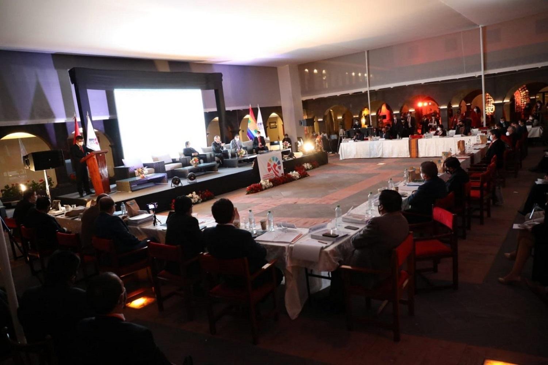 IV Cumbre de la Descentralización, que reúne a gobernadores regionales apunta a fortalecer la democracia.