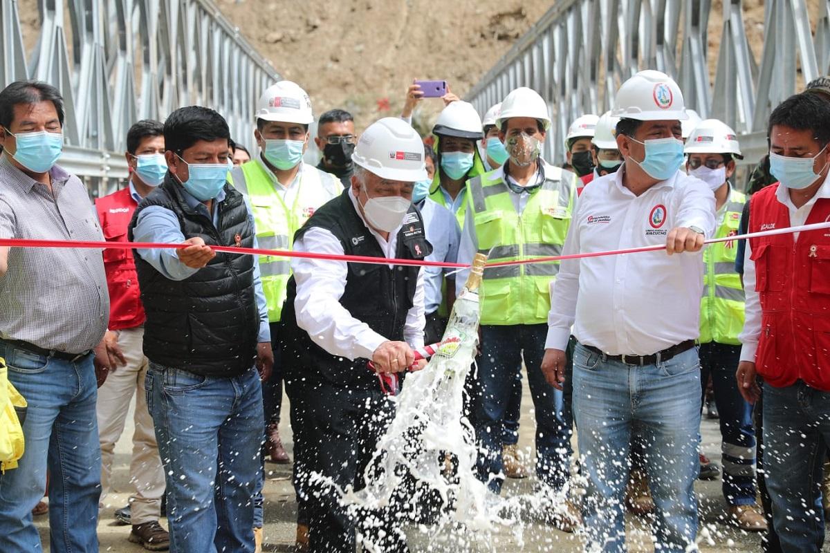 Se pone en servicio puente Tutumbaro en Ayacucho que permitirá conectar a diversas regiones de la zona.