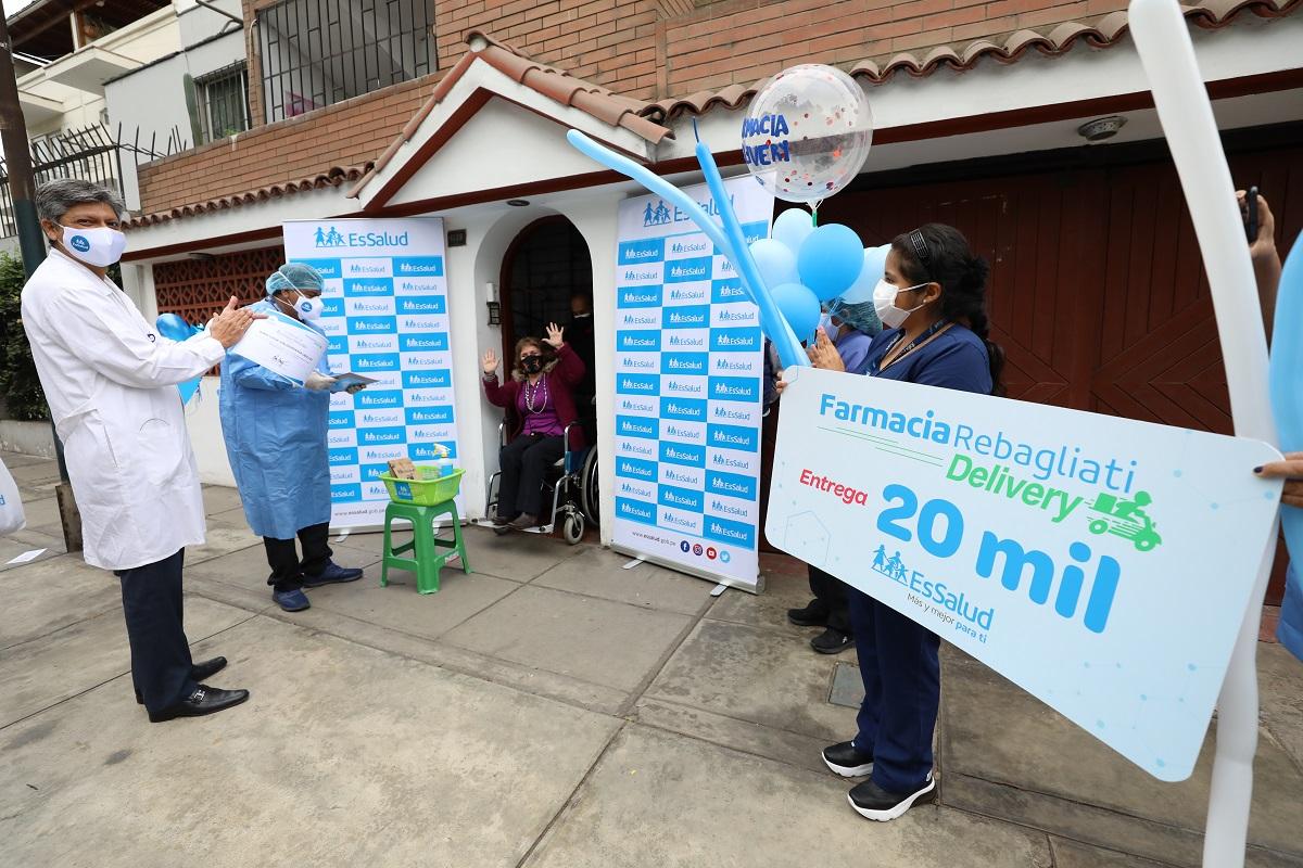 Farmacia Rebagliati Delivery, en su primer año ha llevado medicinas a las puertas de sus casas a más de 20 mil pacientes.