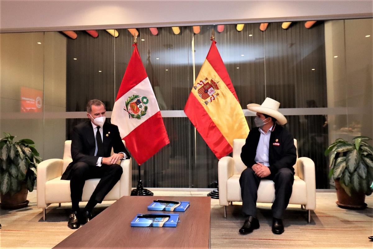 """El """"Rey"""" en busca de """"Castillo"""", ambos dignatarios sostuvieron encuentro de amistad y trabajo."""