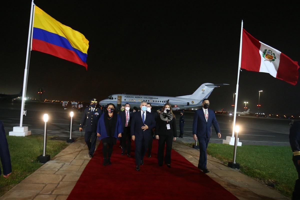 Presidente de Colombia Iván Duque ya está en el Perú para asistir a la juramentación presidencial de Pedro Castillo.