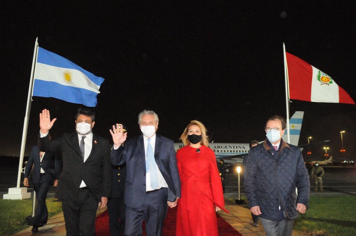 Arriba al Perú el presidente de Argentina Alberto Fernández para asistir a la toma de mando del presidente Pedro Castillo.