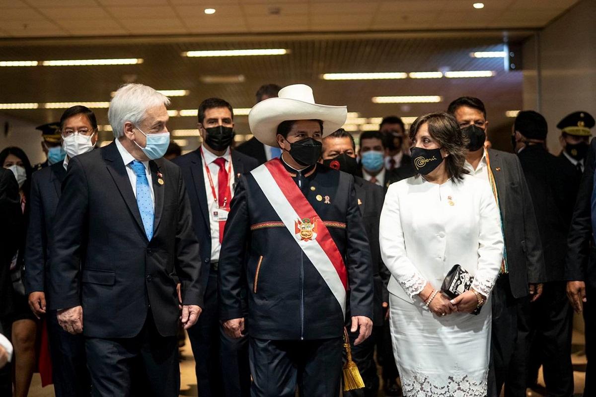 Sebastián Piñeira y Pedro Castillo, están hoy en Ayacucho en la juramentación simbólica del mandatario peruano.