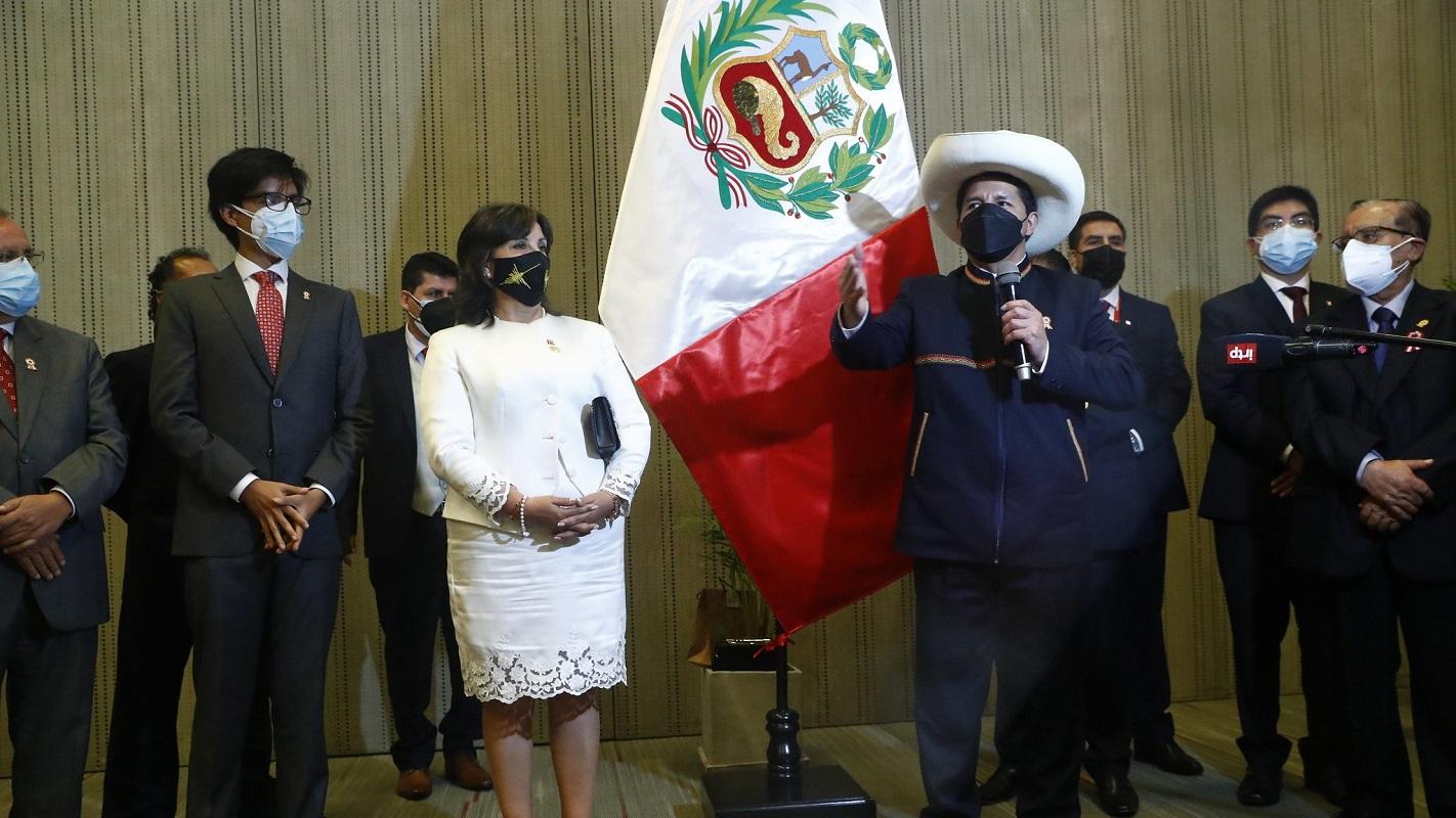 Presidente Pedro castillo Terrones recibió el tradicional saludo del Besamanos y no fue en Palacio.