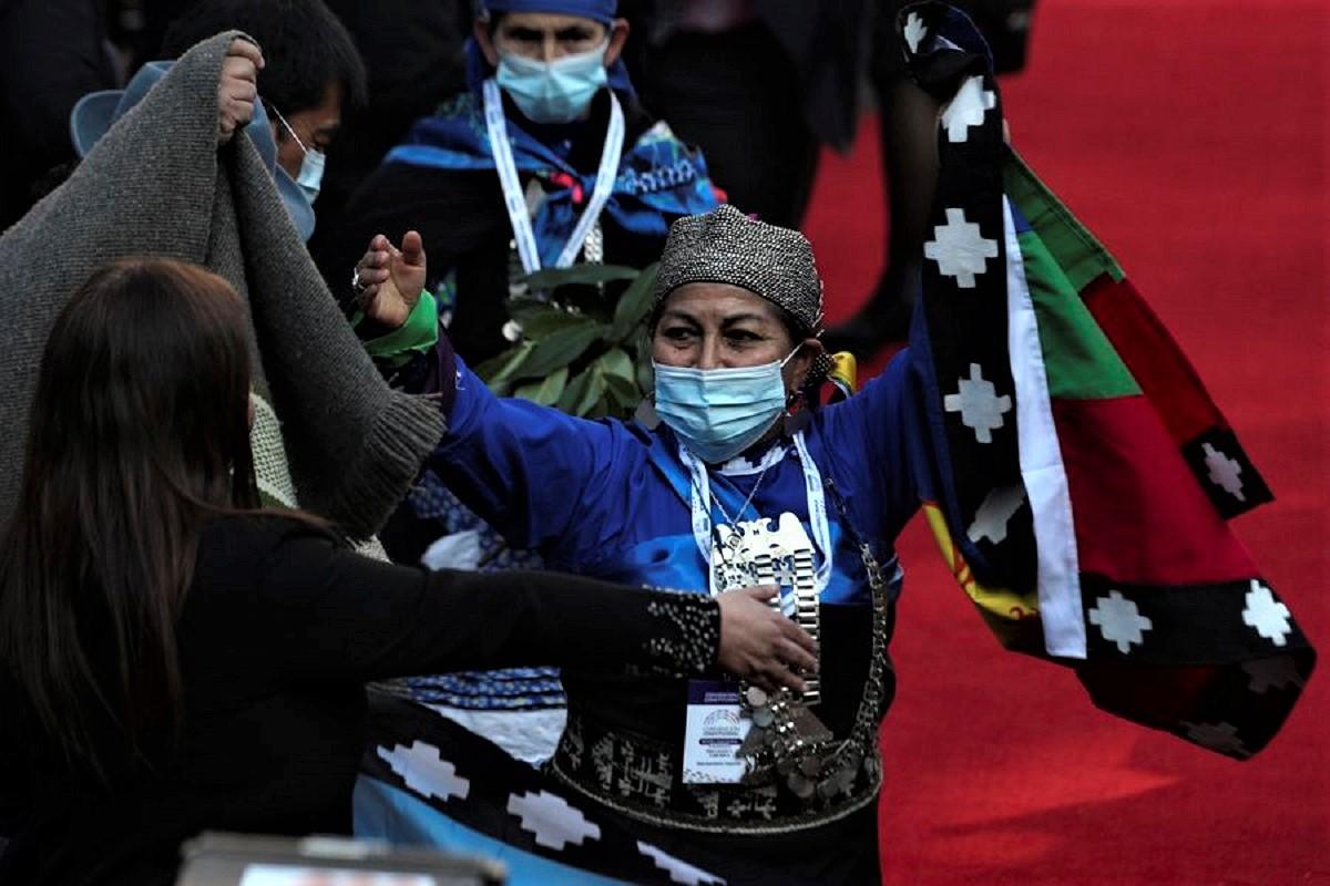 Elisa Loncón Antileon, indígena mapuche convertida en presidenta de la Convención Constitucional de Chile.
