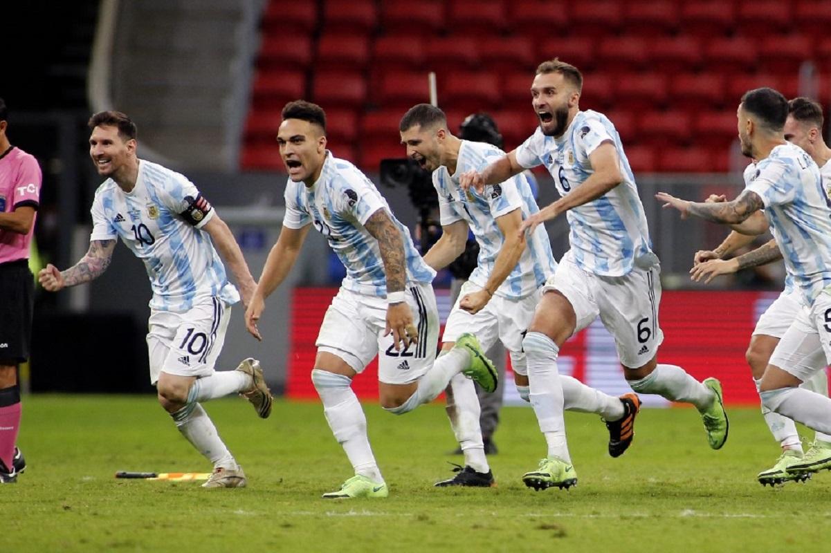Argentina y Brasil a la final de la Copa América, Colombia lo hará con Perú, luego de caer ante la albiceleste.