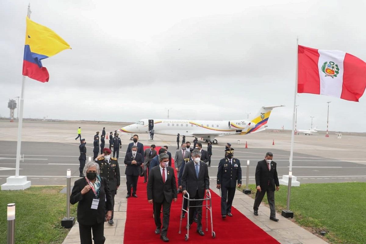 Presidente de Ecuador arribó a Lima desde Guayaquil, para asistir a la juramentación del presidente Pedro Castillo.