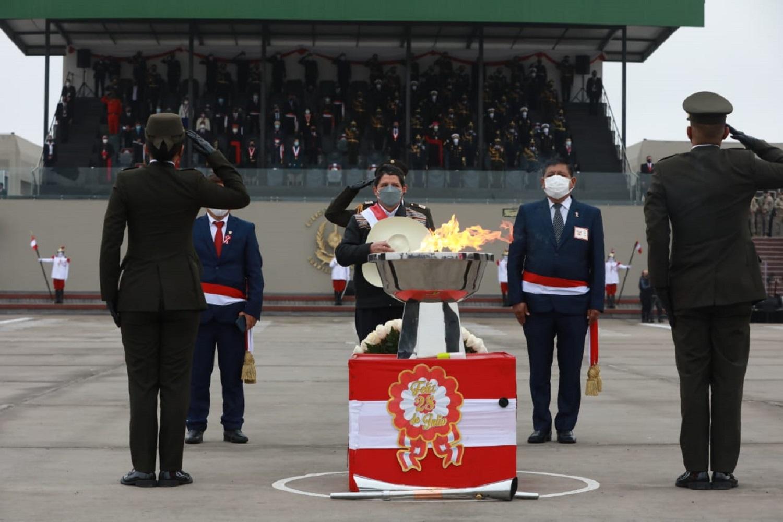 Jefe de Estado Pedro Castillo presidió Gran Parada y Desfile Cívico-Militar.