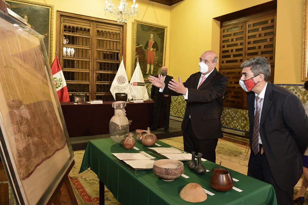 Últimos Textiles Paracas del Museo de las Culturas del Mundo de Gotemburgo retornaron al Perú.