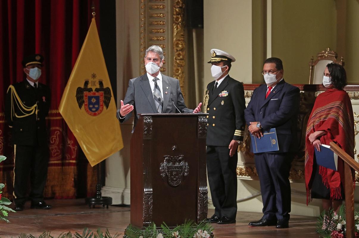 En la conmemoración de los 200 años de la firma del Acta de Independencia del Perú, el desafío es forjar un nuevo Perú.