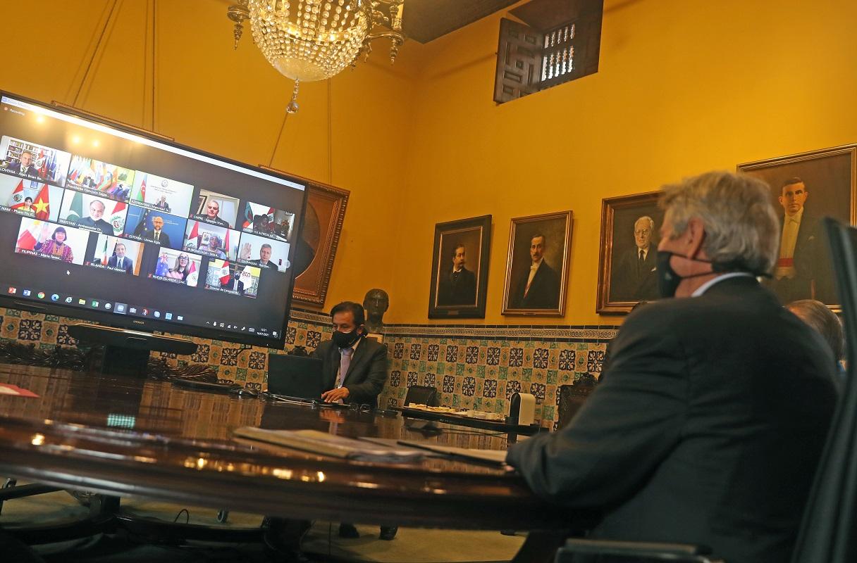 En ceremonia virtual trece embajadores presentaron sus cartas credenciales al gobierno peruano.