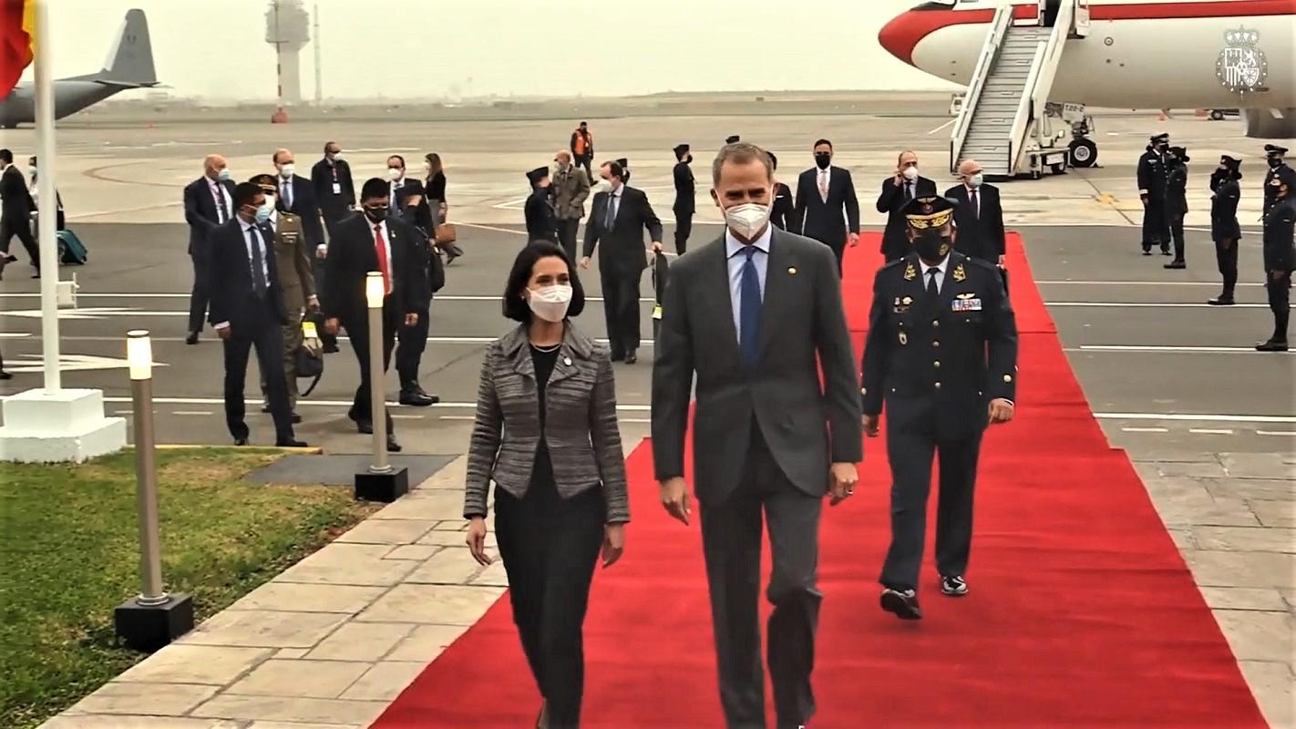 El Rey Felipe de España arribó al Perú para asistir a la toma de posesión del Presidente Electo Pedro Castillo Terrones.