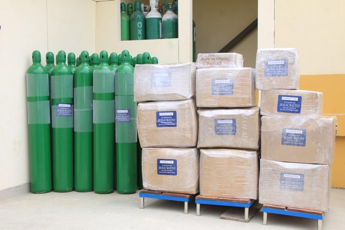 Iglesia de Jesucristo dona 30 balones de oxígeno al Instituto Regional de Enfermedades Neoplásicas IREN Norte.