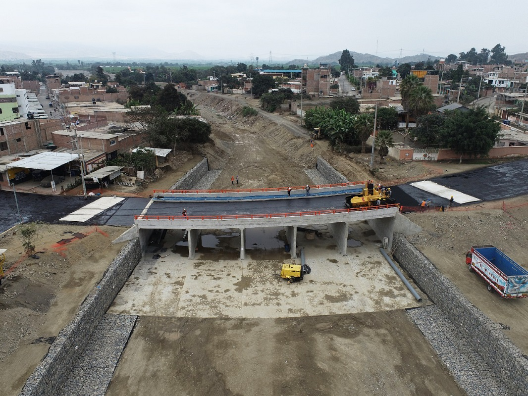 Puente Solivín (Áncash) sobre el río Nepeña de 32 metros, con un 95% de avance en su edificación.
