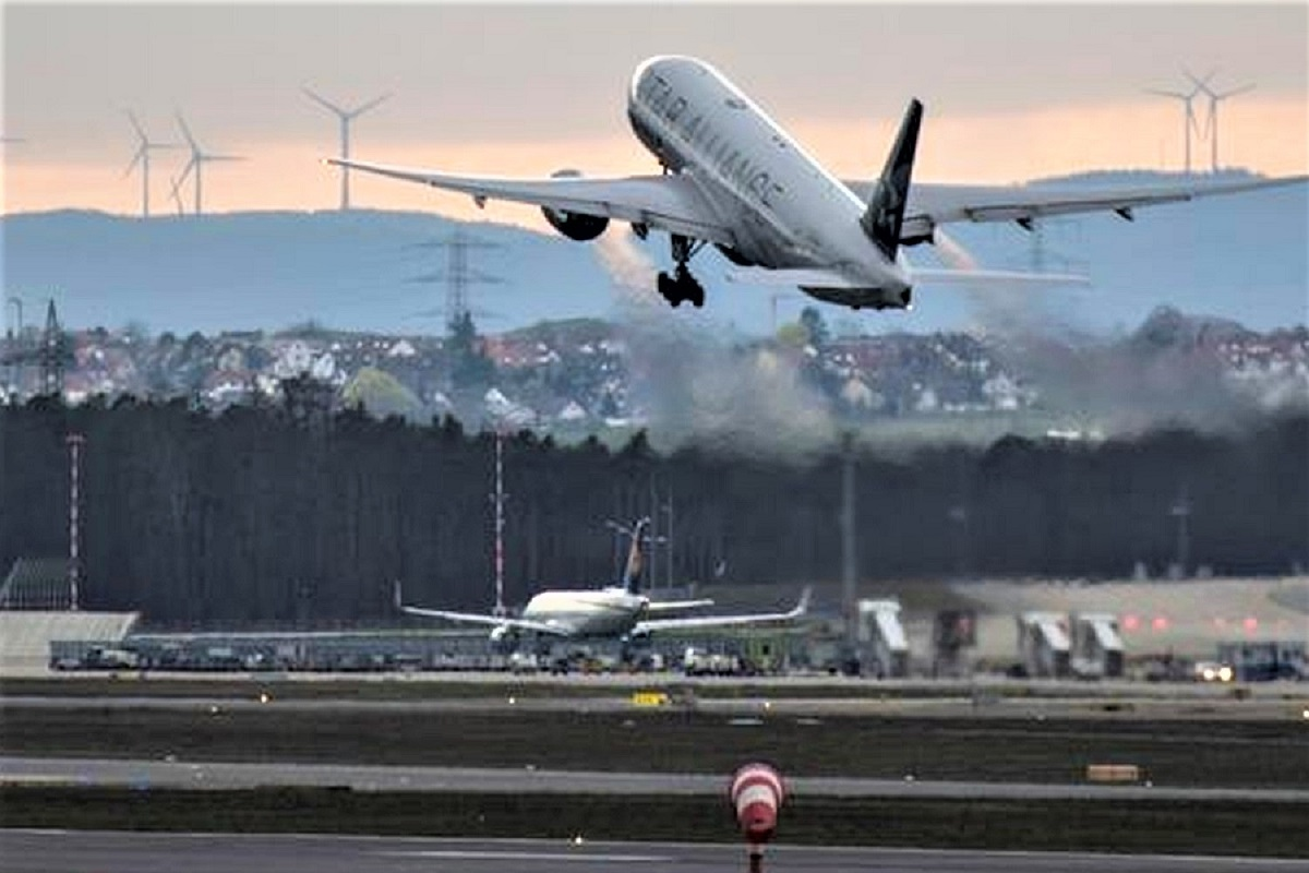 Vuelos procedentes de Sudáfrica, Brasil y la India, continuarán suspendidos hasta el 31 de agosto.