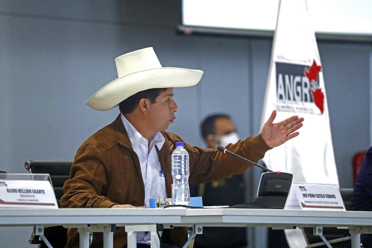 Pedro Castillo, desde hoy agendaremos las urgencias del país, priorizando la salud y la vida de los peruanos.