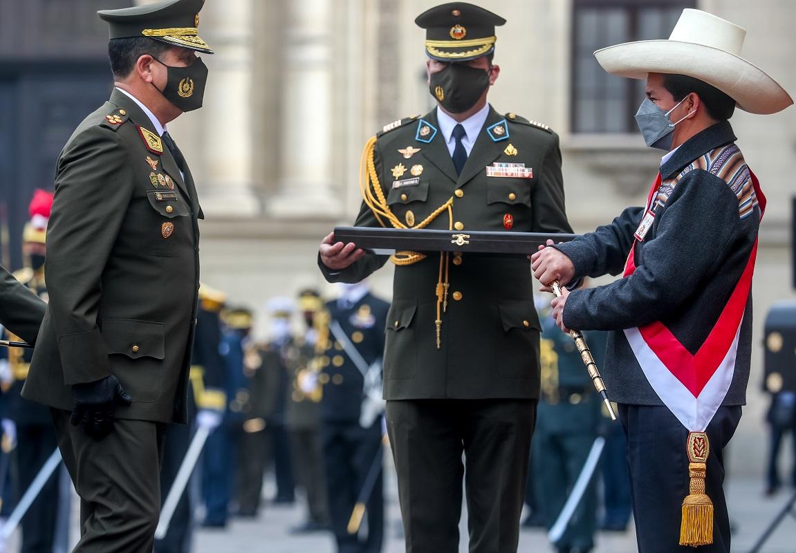 Presidente de la república Pedro Castillo Terrones, es reconocido como Jefe Supremo de las Fuerzas Armadas.