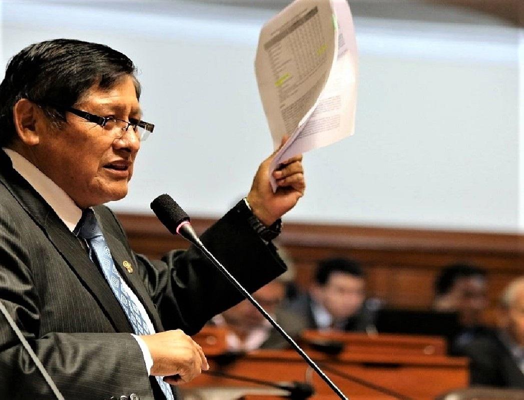 Exlegislador Juan Pari Choquecotta es designado director de Petróleos del Perú (PetroPeru).