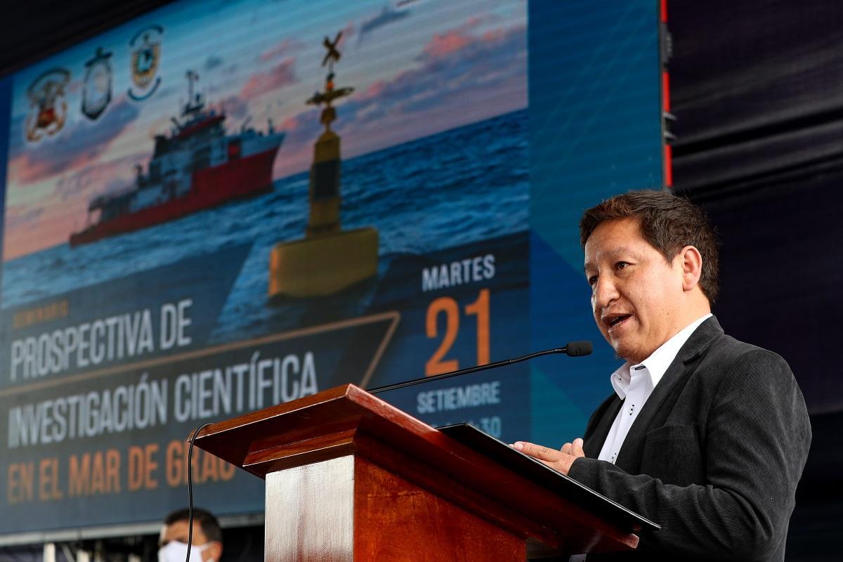Premier Bellido anunció la pronta creación del Ministerio de Ciencia y Tecnología, durante evento en la Marina de Guerra del Perú.