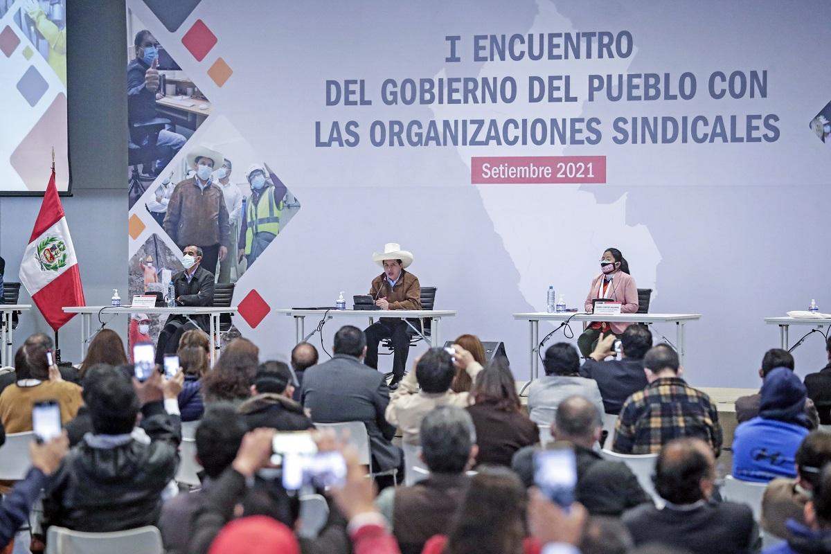 Pedro Castillo a gremios sindicales, eliminaremos las leyes represivas y agresivas que atenten contra los derechos laborales.