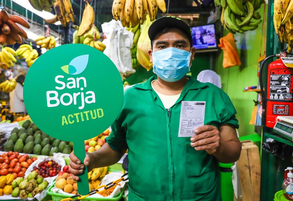 Exitoso barrido de vacunación realizo la Municipalidad de San Borja y la DIRIS Lima Centro a comerciantes de mercados.
