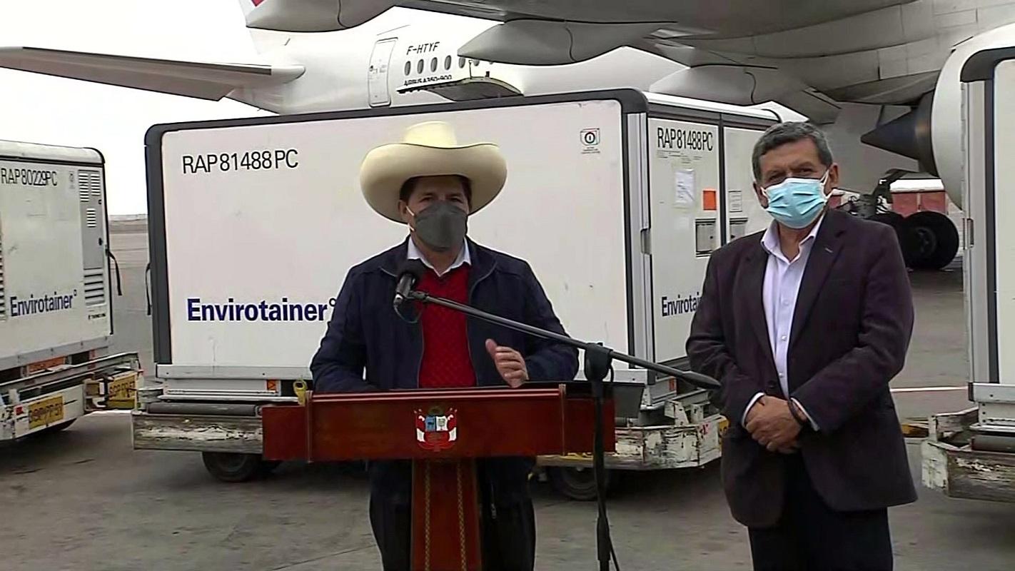 2.5 millones de vacunas Sinopharm llegaron a nuestro país y este domingo arribará un lote de 4 millones más.