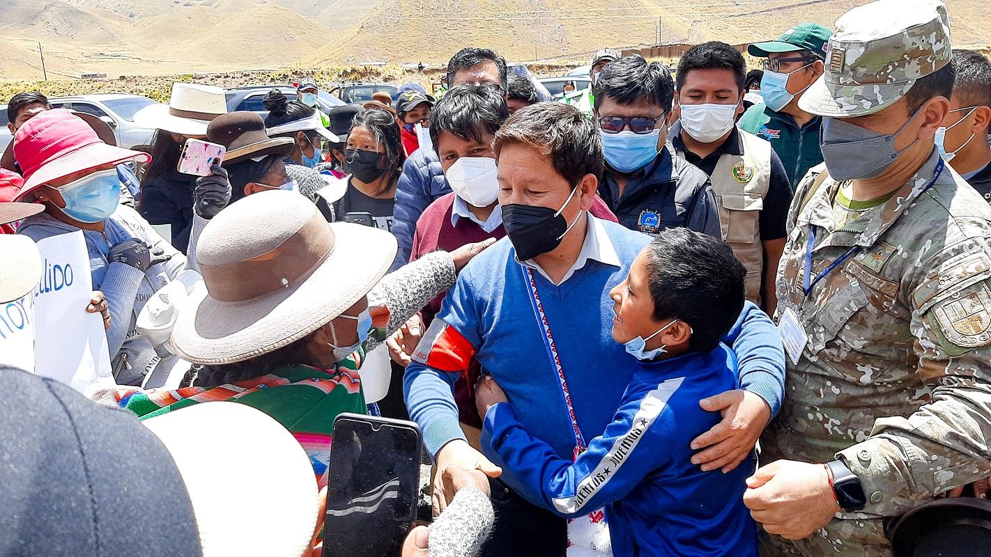 Se instala mesa de trabajo que abordará la contaminación del agua en Puno, premier Guido Bellido previamente recorrió sus cuencas.