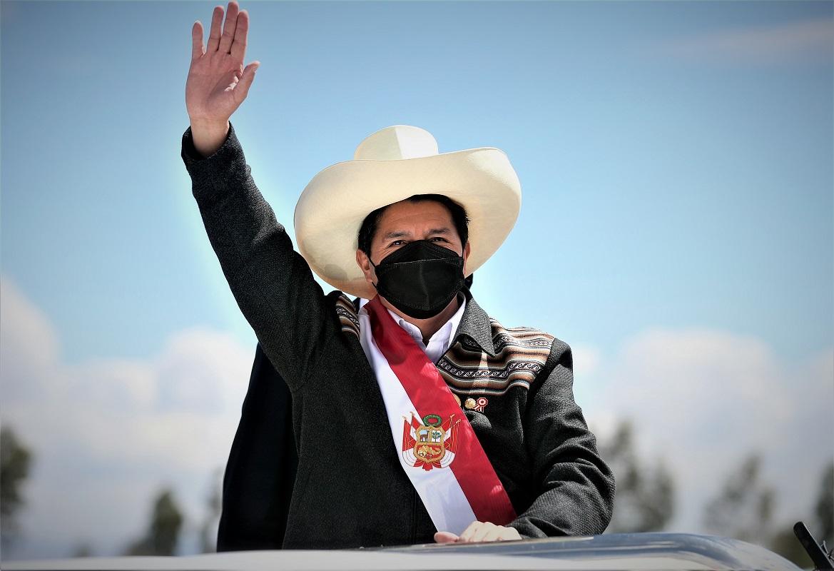 El gobierno respeta el Estado de derecho, pero en primer lugar están los intereses nacionales, con un gas barato para los peruanos.