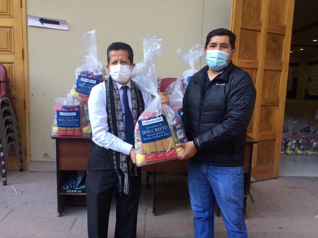 Municipalidad de Pisac en Cusco recibe donación de 18 toneladas de alimentos de la Iglesia de Jesucristo.
