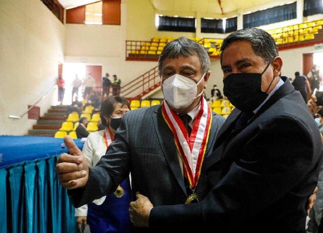 Juramenta Guillermo Bocángel Weydert como la primera autoridad de la Universidad Nacional Hermilio Valdizán de Huánuco.