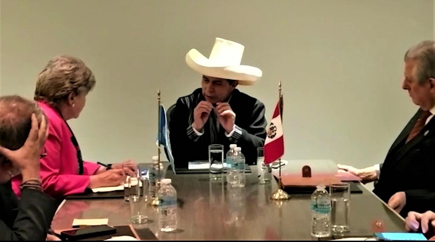 Reunión del presidente de la República, Pedro Castillo y la secretaria ejecutiva de la (Cepal), Alicia Bárcena.