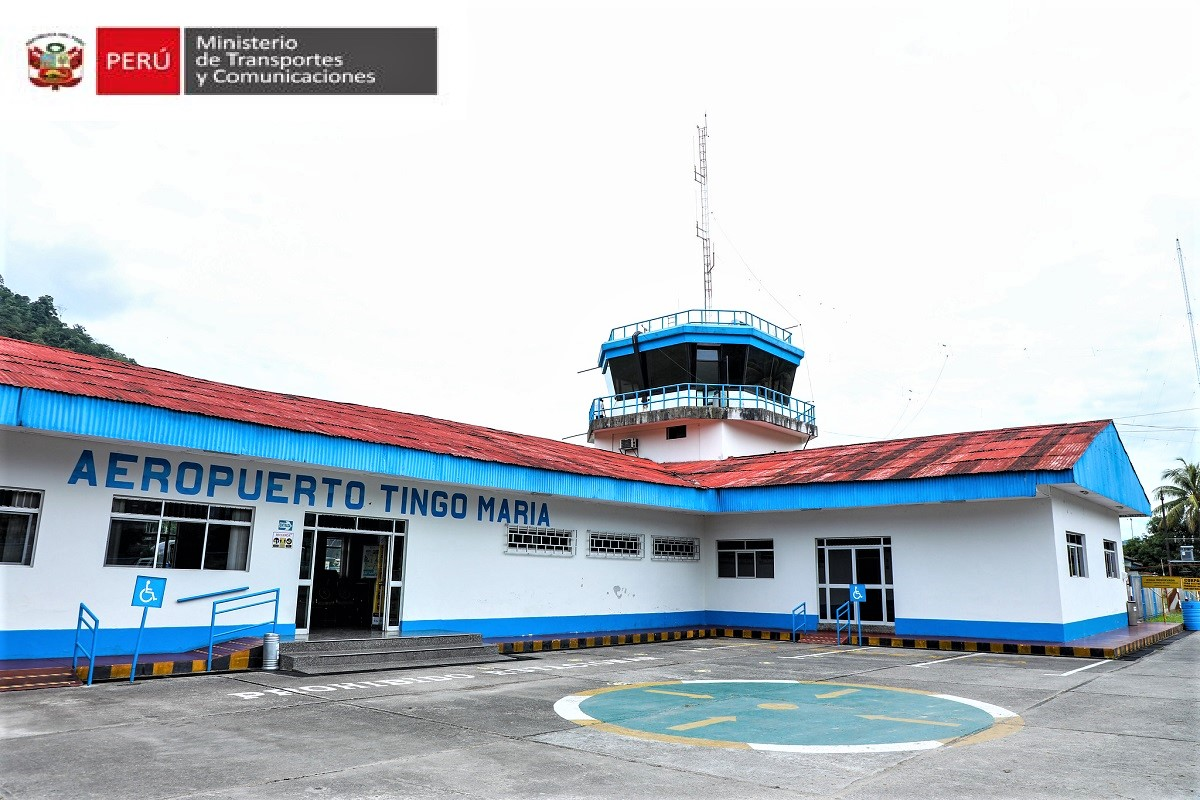 Pista del aeropuerto de Tingo María recibe mantenimiento y para 2022 se hará una inversión de S/ 1 627 118.