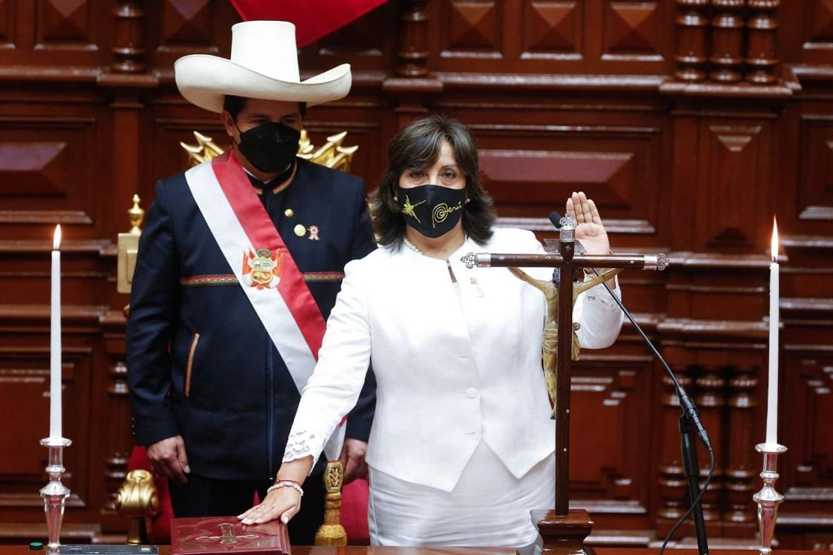 Dina Boluarte se encarga del despacho presidencial por gira presidencial a México y EE.UU. de Pedro Castillo.