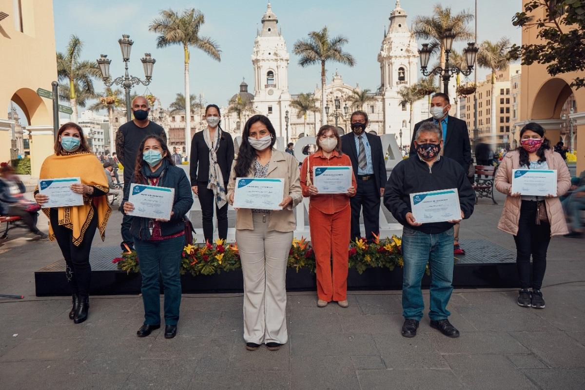 """Los ganadores y finalistas de """"Artesanías para Lima"""" fueron premiados por la Municipalidad de Lima."""