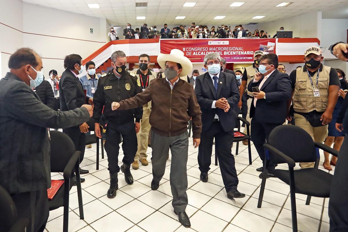Gobierno destrabará proyectos a favor de los pueblos, respaldamos a nuestros alcaldes, sostuvo Pedro Castiilo en Moquegua.