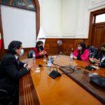 PCM continua buscando consenso para voto de investidura, al reunirse esta vez con Avanza País, Renovación Popular y Partido Morado.